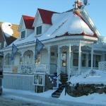 Hotel Pictures: Restaurant Auberge Chez Girard, Sainte-Agathe-des-Monts