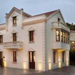 Hotel Pictures: Hotel Rústico y Apartamentos A Torre de Laxe, Laxe