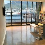 Modern Mountain View Apartment, Cape Town