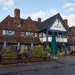 Hotel Pictures: Ely Hotel, Yateley
