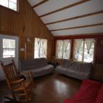 Hotel Pictures: Chalet Le Rustik du lac Castor, Saint-Paulin