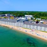 Hamilton Inn Select Beachfront, Mackinaw City