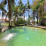Bargara Gardens Motel and Holiday Villas,  Bargara
