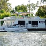 "Hotel Pictures: ""Boats and Bedzzz"" and ""Renmark River Villas"", Renmark"