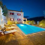 Pilikas Luxury Villas, Stavros