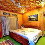 Golden Crest group of house boat, Srinagar