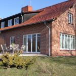 Hotel Pictures: Einfach-schoen-Landhaus-Helga-Kaminstimmung-Natur-pur-direkt-am-Settiner-See, Settin