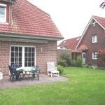Hotel Pictures: Schoenes-Reihenendhaus-mit-3-Schlafzimmern-50031, Wittmund