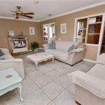 Gulfport Getaway - Two Bedroom Home,  St Petersburg
