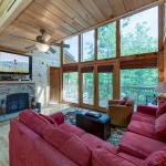 Bear Pause - Four Bedroom Home, Sevierville