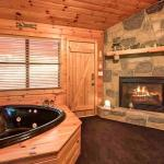 Lily Pad - One Bedroom Home, Sevierville
