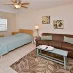 Royal Orleans - Studio Condo - 106, St Pete Beach