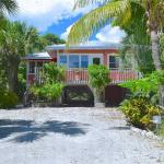 Victoria Cottage - Two Bedroom Home, Fort Myers Beach