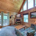 Peace 'N Quiet - Three Bedroom Home, Gatlinburg