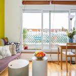 Hotel Pictures: Apartment with Terrace and Paris View, Pantin