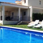 Hotel Pictures: Villa Llevant, LAmetlla de Mar