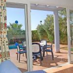 Hotel Pictures: Villas Amarillas V3D AC 04, Cala Santandria