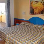 Hotel Pictures: Villas Amarillas V3D AC 01, Cala Santandria