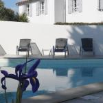 Hotel Pictures: Adonis Perles de Ré, La Couarde-sur-Mer