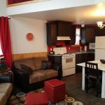 Hotel Pictures: Chalet Mont-Édouard, L'Anse-Saint-Jean