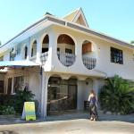 Hotel Pictures: Bluewater Lodge, Nadi