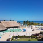 Ocean View Hotel Zone Room #326, Cancún