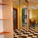 Hotel Pictures: Apartment on Zeltovskogo 11, Pinsk