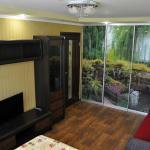 Apartment on Peace Avenue 84, Mariupol'