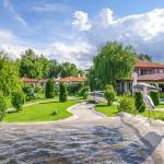 Zdjęcia hotelu: Yaev Hotel, Karłowo