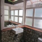 Deeksha Warung Bingin Beach House,  Onggokanbatue