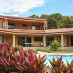 Hotel Pictures: Casa Amarilla Playa Naranjo, Naranjo