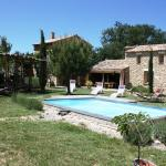 Hotel Pictures: Holiday home chemin du cimetiere, Salazac