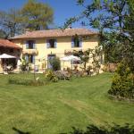 Hotel Pictures: Domaine Le Chec, Saint-Ost