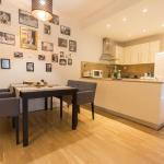 Fresh, Stylish Apartment in the center!, Budapest