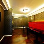 Avant Garde Rooms, Split