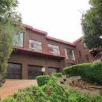 Apartment in Mondeor Johannesburg, Johannesburg