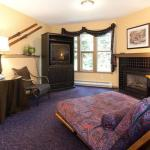Hotel Pictures: Hourigan Home at Vance Creek Hotel, Silver Star