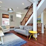 Downtown 6Br Luxury & Spacious House with Parking, Toronto