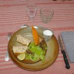 Hotel Pictures: La Ferme de Menoun, Thil