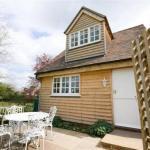 Poplars Cottage,  Beckley