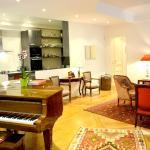 Apartment Victor Hugo Plaza, Paris