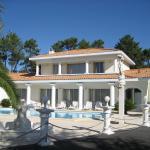 Hotel Pictures: Villa Rue Albert Camus, Tarnos