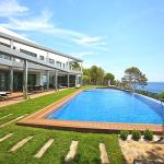 Luxury brand new villa on the first line from the sea, Altea
