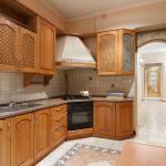 Four-bedroom apartment on Korolenko 19, Kharkov