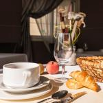 Hotel Restaurant La Croix Verte,  Neau
