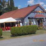 Hotel Pictures: Camping Au Vert de l'Authie, Beauvoir-Rivière