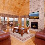 Almost Heaven Four-Bedroom Cabin, Sevierville