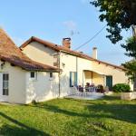 Hotel Pictures: Holiday Home Route de saint jean leyraud, Les Lèches