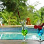 Hotel Pictures: Casa Aloha Three-Bedroom Villa 12, Ojochal