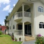 Flower Garden Self-Catering Apartments, Beau Vallon